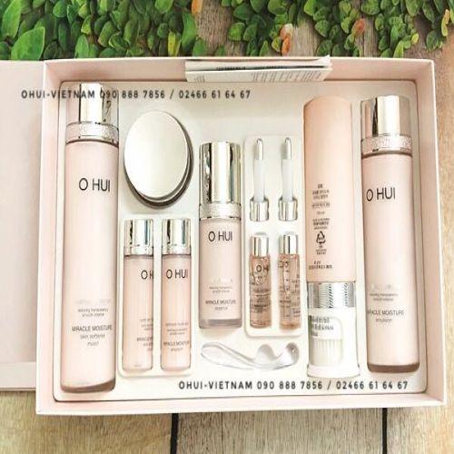 OHUI Miracle Moisture Special Set Trọn bộ chăm sóc dưỡng ẩm cơ bản 484ml